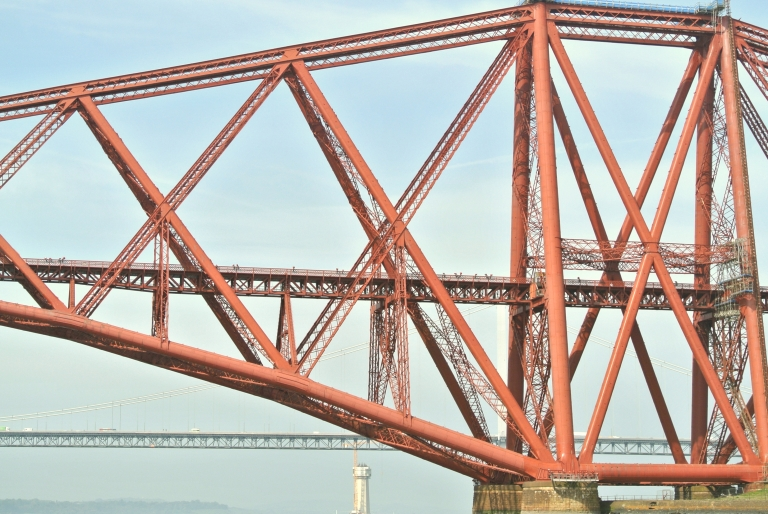 Red Forth Bridge.